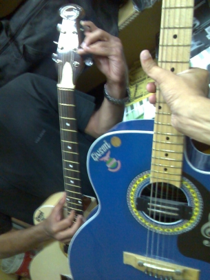 new-guitar1.jpg